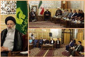 عکس/ دیدار بازیکنان تیمهای منتخب کربلا و مشهد با رئیسی