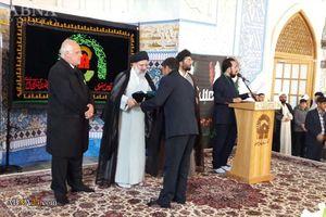 عکس/ اهدای پرچم آستان قدس رضوی به هیئات مذهبی