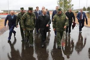فیلم/ رزمایش نظامی روسیه و بلاروس با حضور پوتین