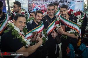 عکس/ بازگشت تیم ملی والیبال ایران