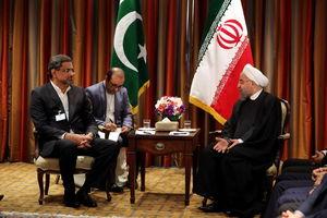 روحانی در دیدار نخست وزیر پاکستان