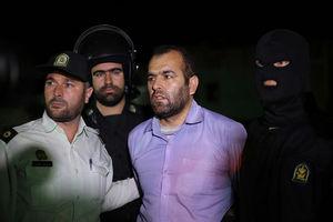 فیلم/ قرائت حکم قاتل «آتنا» در محل اعدام