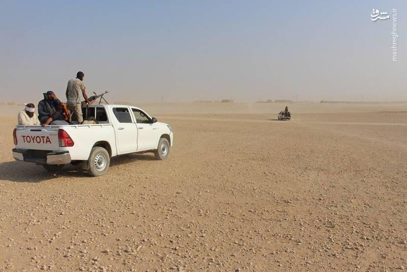 قاچاقچیان داعش با لباس نظامی