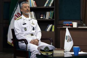 ساخت زیردریاییهای هستهای در مرحله تحقیقات است/پاسخ ناو نیروی دریایی ایران به دلسوزی ناو آمریکایی/ دیگران کمک نمیکردند، عراق بیش از ۶ ماه توان جنگ نداشت