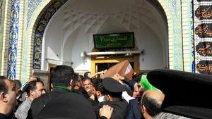 عکس/ پیکر مطهر شهید حججی در حرم رضوی