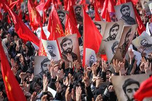 خبرگزاری فرانسه: ایرانیها در سوگ «سمبل جنگ با داعش» به خیابان آمدند