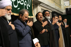 عکس/ کارگردان سینما در مراسم عزاداری بیت رهبری