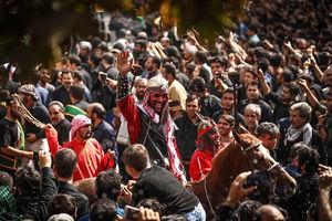 عکس/ مراسم خیمه سوزان روز عاشورا در تهران