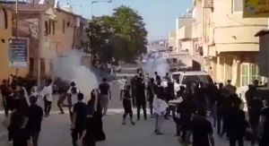 فیلم/حمله به عزاداران حسینی در بحرین