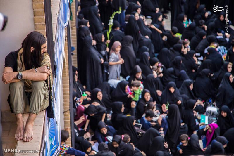 گردشگران خارجی در عزاداری عاشورای حسینی شهر یزد