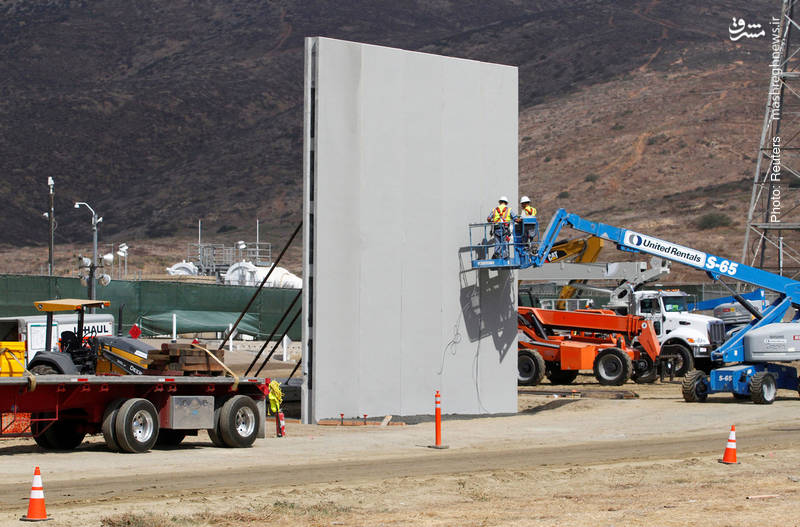 آزمایش نمونههای اولیه از دیوار مرزی بین ایالات متحده و مکزیک