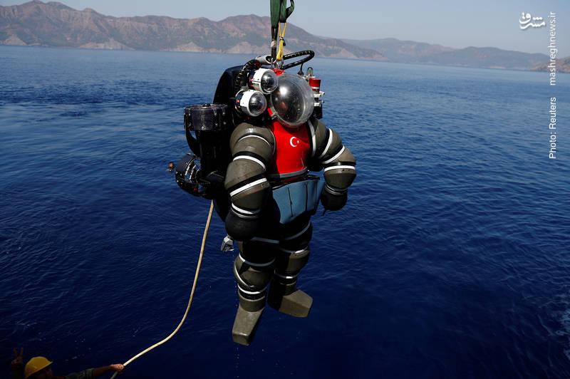 تمرین نجات از زیردریایی با مشارکت ارتش ترکیه و ناتو