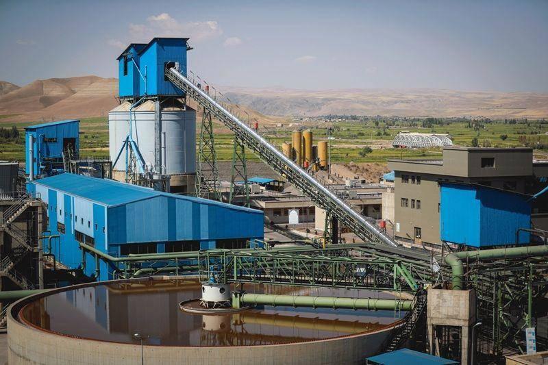 فیلم/ کارخانه تولید آهن اسفنجی فولاد میانه