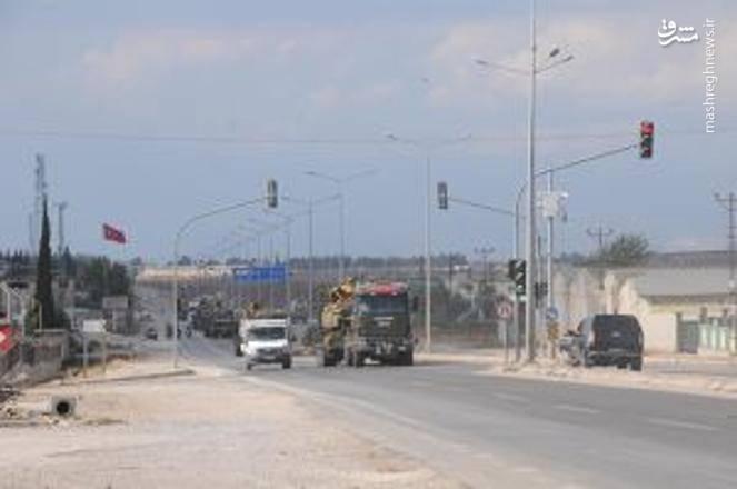 حرکت زره پوش ها و سامانه های پدافندی ترکیه در مرز سوریه و در نزدیکی شهر ادلب