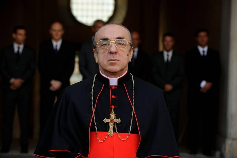 بررسی و تحلیل سریال The Young Pope 2016 (پاپ جوان)