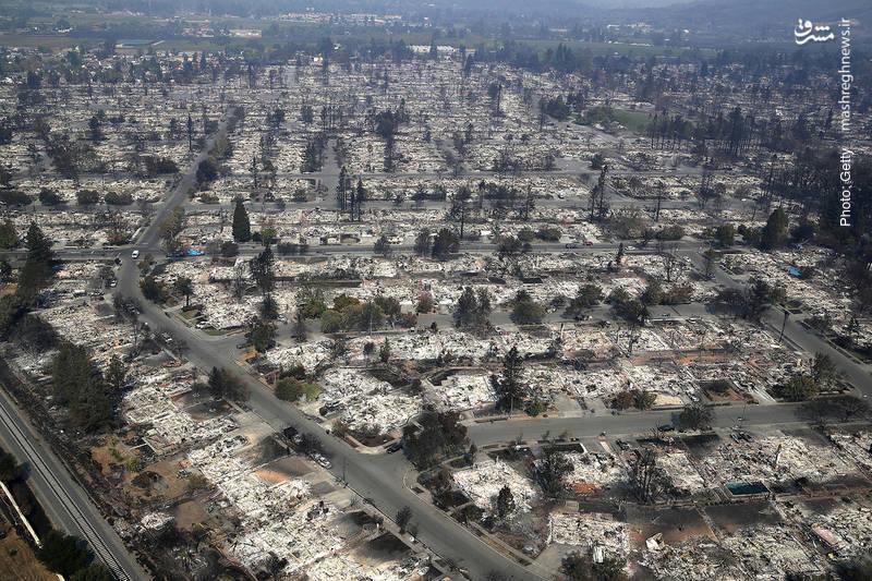 نابودی شهر سانتارز کالیفرنیا با بیش از 170 هزار جمعیت بر اثر آتشسوزی همزمان با تندباد