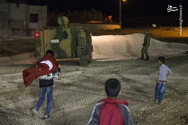 ورود زره پو ش ها و نیروهای نظامی ترکیه به شهر ادلب