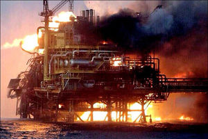 فیلم/ انفجار سکوی نفتی در لوئیزیانا