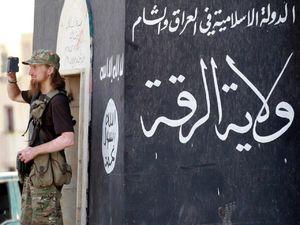 فیلم/ زندانهای داعش در رقه به روایت CNN