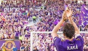 کاکا در ۳۵ سالگی با دنیای فوتبال وداع کرد