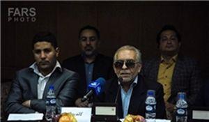 گلمحمدی: در بوکس برخی میهمانهای جوجه کبابی هستند