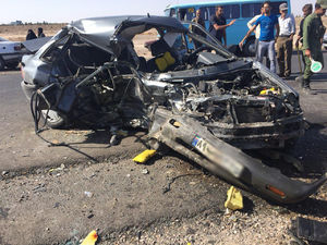 عکس/ 2کشته در برخورد خودروی پراید و پژو در کرمان