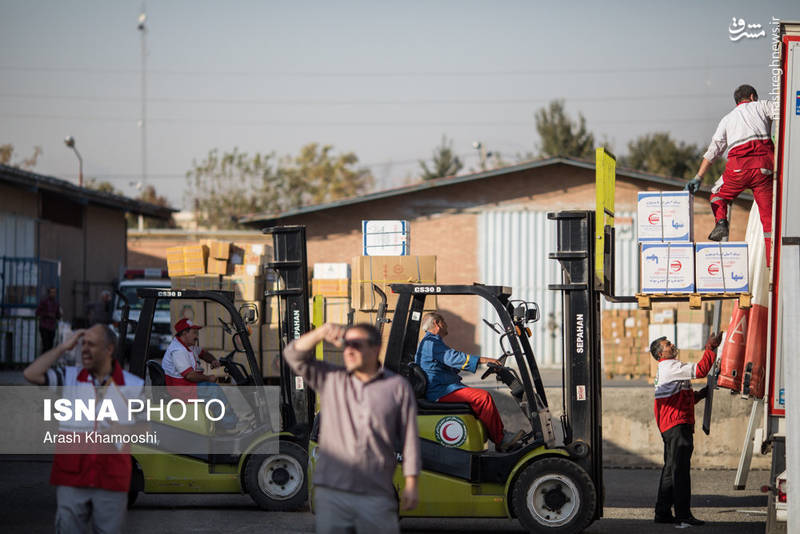بارگیری محموله دارو و تجهیزات هلال احمر جهت اعزام به عراق