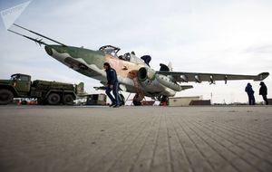 آموزش ویژه پرواز خلبانان جنگنده سوخو-۲۵