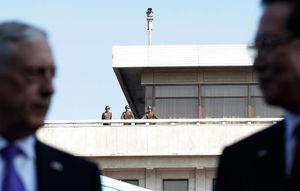 عکس/ وزیر دفاع آمریکا در مرز دو کره