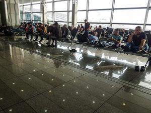 عکس/ بلاتکلیفی مسافران نجف در فرودگاه امام خمینی(ره)