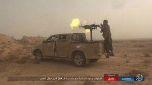 عکس/ حمله داعش به میادین نفتی دیرالزور