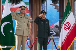 عکس/ استقبال سرلشکر باقری از فرمانده ارتش پاکستان