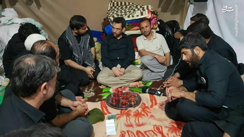حضور آذری جهرمی وزیر ارتباطات در موکب حبیب ابن مظاهر حدفاصل بین نجف و کربلا
