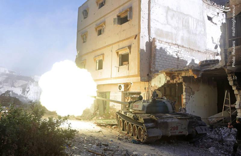 جنگ شهری ارتش لیبی با داعشها در بنغازی همچنان ادامه دارد.