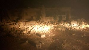 اولین تصاویر از خرابی زلزله در شهرستان سرپل ذهاب، کرمانشاه