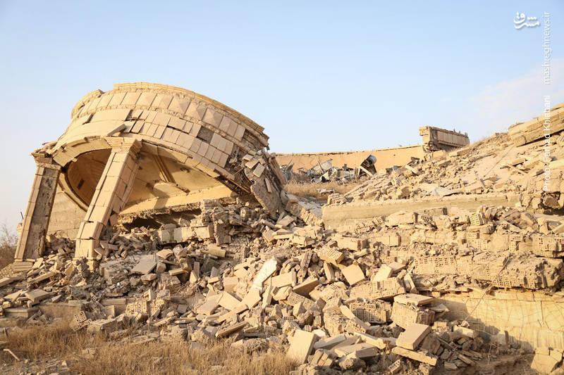 سران داعش پس از ورود به تکریت در کاخ های صدام مستقر شدند. و ویرانه ای از آنها برجای گذاشتند