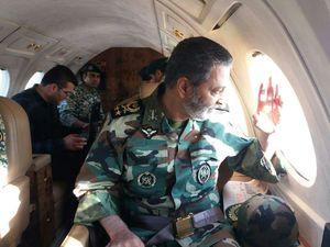 عکس/ بازدید فرمانده ارتش از مناطق زلزله زده