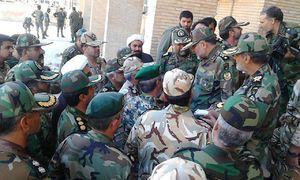 عکس/ حضور فرمانده نیروی زمینی ارتش در مناطق زلزله زده
