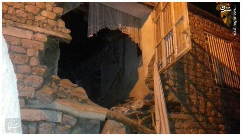تصویر ریزش دیوار در روستای داریان حومه پاوه ناشی از زمینلرزه