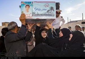 عکس/ تشییع پیکر شهدای تازه تفحص شده ناجا در شیراز 