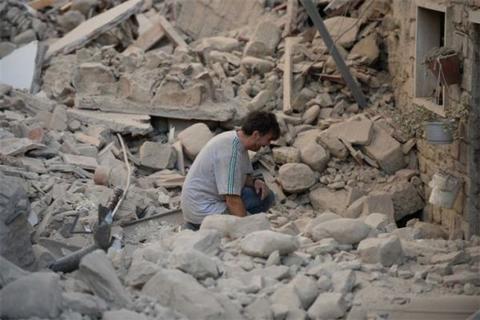 زلزله ها هنوز چشم برخی را باز نکرده است