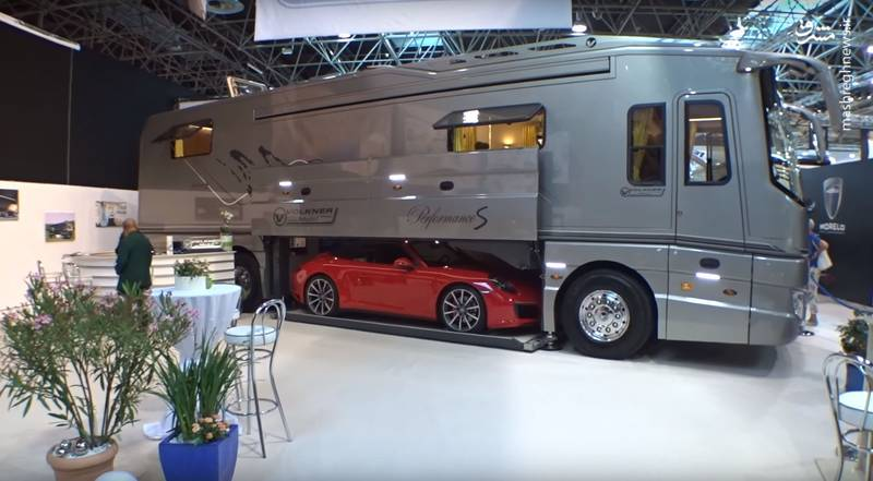 اتوبوس فوق لوکس ۶ میلیاردی با قابلیت حمل خودروی لوکس +عکس