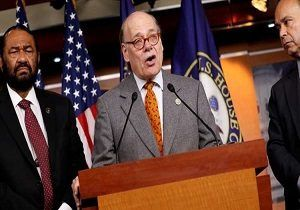 درخواست عضو کنگره آمریکا برای برکناری ترامپ