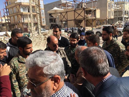 حضور وحید حقانیان در مناطق زلزله زده