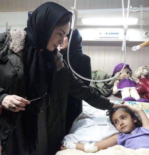 عیادت افسانه بایگان از کودکان زلزله زده