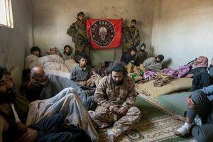 عکس/ دستگیری تروریستها در دیرالزور