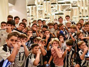 پائولو دیبالا در جمع هوادارانش