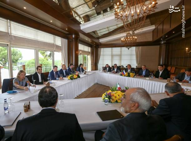 عکس/ دیدار وزرای خارجه ایران، ترکیه و روسیه در آنتالیا