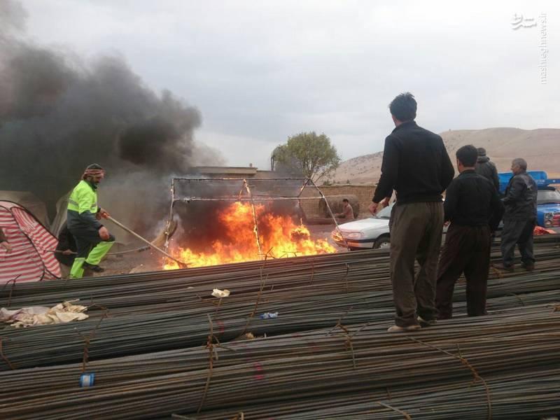 عکس/ آتشسوزی چادر زلزله زدگان