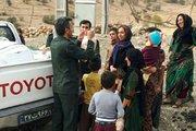 توزیع مرغ در مناطق زلزله زده توسط سپاه